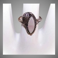 Vintage STERLING SILVER Ring - Native American, Mother of Pearl, Leaf