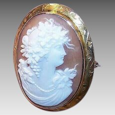 ANTIQUE EDWARDIAN 10K Gold and Cornelian Shell Cameo Pin - Lovely Lady