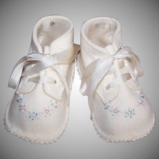 Unused VINTAGE Hand Embroidered Wool Baby Shoes in Original Box - Made by Trimfoot - Baby Deer Brand