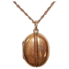 ANTIQUE VICTORIAN 18K Gold Locket - Etruscan Revival, Oval, Wirework