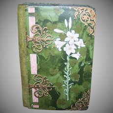 ART NOUVEAU Candy Box - Easter, Lily, Green, Velvet, Paper, With Latch
