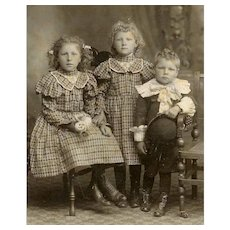 VICTORIAN Cabinet Card - Siblings, Sisters, Young Brother, Bowler Hat