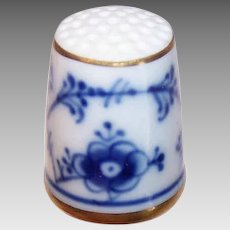 Vintage PORCELAIN Thimble - Bing & Grondahl, Flow Blue, Floral, Made in Denmark