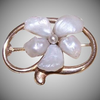 Antique 14K Gold River Pearl Pin