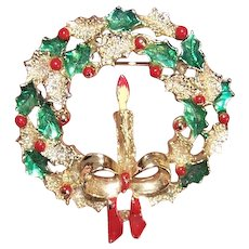 Christmas Costume Pin by Gerrys - Wreath with Red Berries Holly Candle