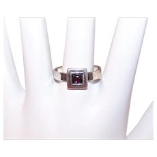 Vintage STERLING SILVER Ring - Hand Hammered, Garnet Cab, Silpada, Size 9-1/2