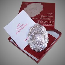 1991 Towle Sterling Silver Christmas Ornament with Box Pouch COA