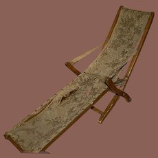 *** Early  folding Chair for Queen Ann type doll 1700-1800**