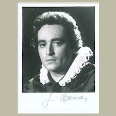 Jose Carreras Autograph on 7 x 9,5 Photo, CoA