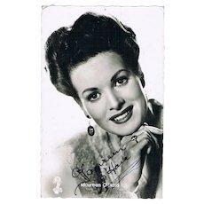 Maureen O' Hara Autograph. Hand-signed Photo with CoA