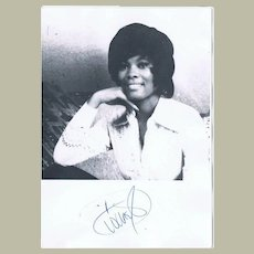 Dionne Warwick Autograph from 1982 CoA
