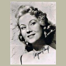 Virginia Mayo Autograph, hand signed Photo 7 x 9. CoA