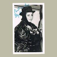 Liz Taylor Autograph on Postcard with COA