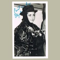 Liz Taylor Autograph on Postcard with COA