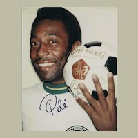 Soccer Legend Pele signed Photo 8 x 10 CoA