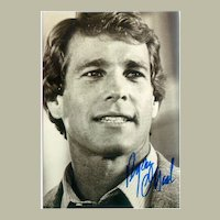 Autograph by  Ryan O'Neal: Photo with Signature. CoA
