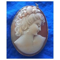 Vintage 9K Yellow Gold Shell Cameo Brooch