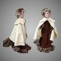 Exemplary Fashion Doll Cape of Silk and Wool For Fashion Poupee