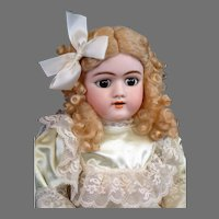 """Handwerck 109 Antique Doll 25"""" with Beautiful Marked Cryer Body"""