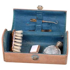 """Antique """"Necessaire"""" Grooming Chest Accessory for Fashion Ladies"""