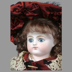 """Exquisite Alt Beck & Gottschalk Turned-Head Closed Mouth Fashion Girl 21"""" in Red & Black Ensemble"""
