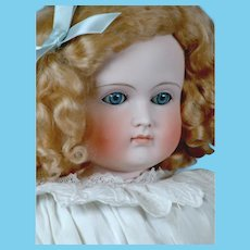 "25"" Turned-Head Closed-Mouth Pouty Kestner Lady in Antique Whites!"