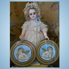 ~~~ Pretty Decoration Piece for your Doll Room ~~~