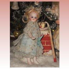 ~~~ Rare Bar Feet Mademoiselle Mignonette in Original Clothing ~~~
