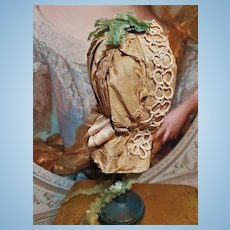 ~~~ Pretty French Silk Taffeta Bavolet Poupee Bonnet for Huret , Rohmer , Barrois .......~~~