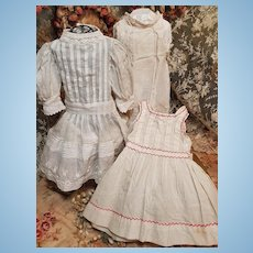 ~~~ Pretty Three Piece Set of 19th. century Antique Bebe Costume ~~~