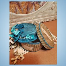 ~~~ Pretty French Blue Flat Topped Fashion Bonnet with Hat Box ~~~