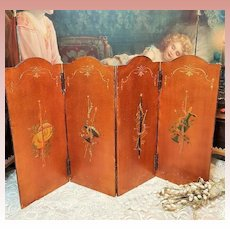 ~~~ Superb 19th. century Folding screen for French Poupee ~~~