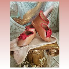 ~~~ Pretty Bebe Shoes of Maison Jumeau size 9 in Rare Color Combination with Stocking ~~~