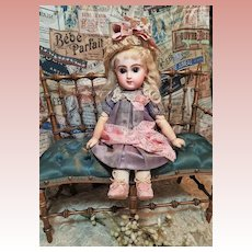 "~~~ Rare 9,5 "" Size 1 Mademoiselle Jumeau in Pretty Antique Clothing ~~~"