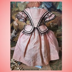 ~~~ Rare 1860th. Enfantine Silk Gown for Huret , Rohmer , Barrois or other ... ~~~