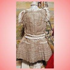 ~~~ Lovely Cotton Apron Jumeau Dress size 7 from Maison Jumeau ~~~