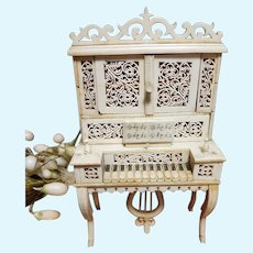 ~~~ Superb 19th. Century Hand Carved Miniatures Spinet Piano ~~~