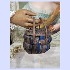 ~~~ Rare 1880th. Bomb-Shaped Poupee Leather Necessaire Bag for early Poupee ~~~