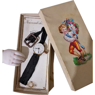 ~~~ All Original Fashion Doll Belt Watch in Presentation Box / 1870 ~~~