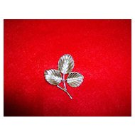 Sarah Coventry  Silvertone  Leaf Pin