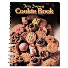 RARE 'Betty Crocker's Cookie Book', Collector's First Edition, Entertaining, Holidays, Recipes, Pastry, Oversize Hardcover, Spiral, Vintage, Pages MINT