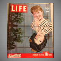 February 1961 LIFE Magazine 'Shirley MacLaine', President Kennedy, Vintage, Movie, Art Linkletter, Politics, Robotics, History, Fashion