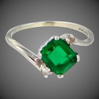 10k White Gold Emerald Green Paste Ring