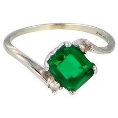 10k White Gold Emerald Green Paste Ring