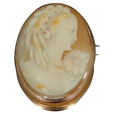 14k Gold Carved Shell Pretty Cameo Brooch