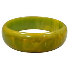 Wide Marbled Green & Yellow Bakelite Bangle Bracelet