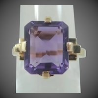 14k Gold Retro Era Natural Amethyst Lady's Ring