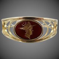1940s Signed Simmons Venetian Intaglio Cameo Hinged Bangle Bracelet