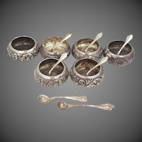 6 Repousse Whiting Mfg. Co. Sterling Salts & Spoons