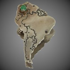 900 Silver Natural Emerald Figural Africa Pin
